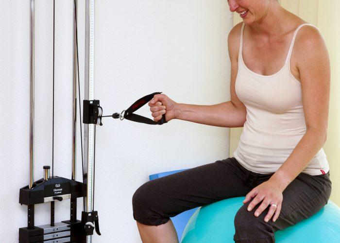 Schulterinnenrotation am Seilzug